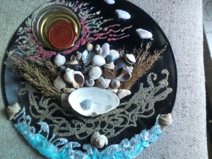 """""""Marea Neagra din plastic"""" - din placa de vinil, capace de conserve, plastic de la sticle  PET, nisip si scoici"""