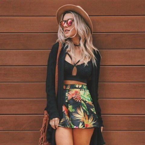 Chapéu e óculos são ótimos acessórios para o verão.