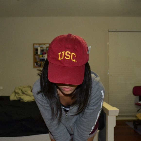 USC College Cap NWT Brandy Melville freeshipping beautiful burgundy/maroon USC baseball cap! similar to brandy melville, NWT! i bought for $35, selling now for way cheaper! super soft, and super comfortable and cute! adjustable // not actually brandy, just put for exposure  tags// brandy melville american apparel urban outfitters hat Brandy Melville Accessories Hats