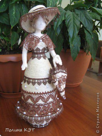 Очередная дама-шкатулка. Была задумка сделать даму с кружевами цвета шоколада. К моему великому сожалению, кружева с…