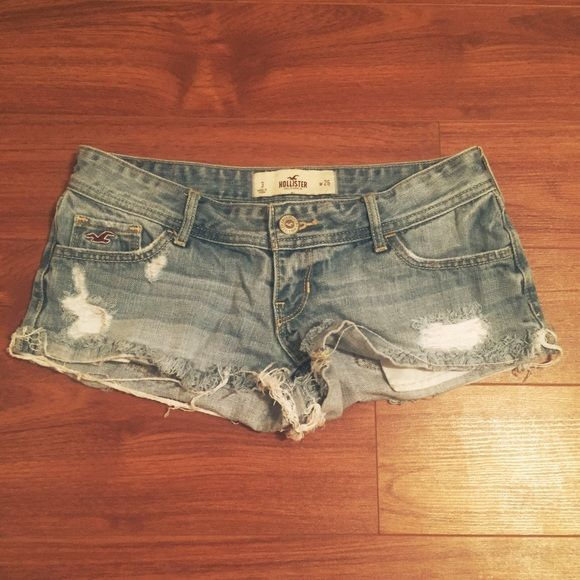 Jean Hollister shorts Short Hollister jean shorts! No tags, gently used! Size 3 Hollister Shorts Jean Shorts