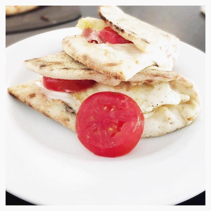 "@joshm93: ""#HotItalian #Cafe #restaurant #procciutto #brunch #fresh #farmtofork #sacramento #urbaneats #pizza #italianlife #tomatoes #feedme #foodporn #familytable #eatery #mangia #gaylife #hotgaymen #luxurylife #piccante"""