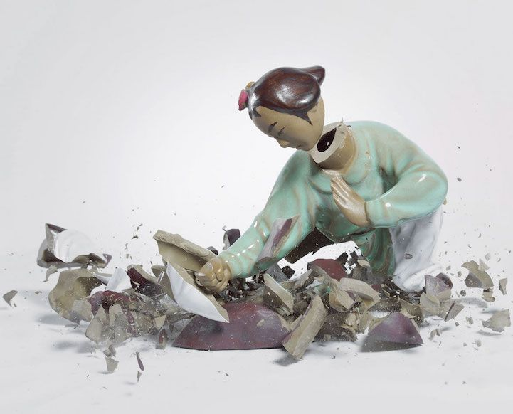 Photos Capture Dueling Porcelain Figurines the Moment They Shatter on the Ground - My Modern Met