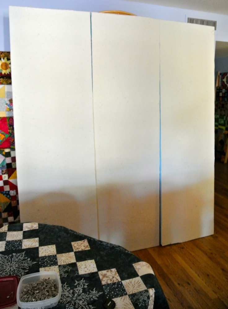quilt design wall tutorial-I totally need to make myself a couple of these.