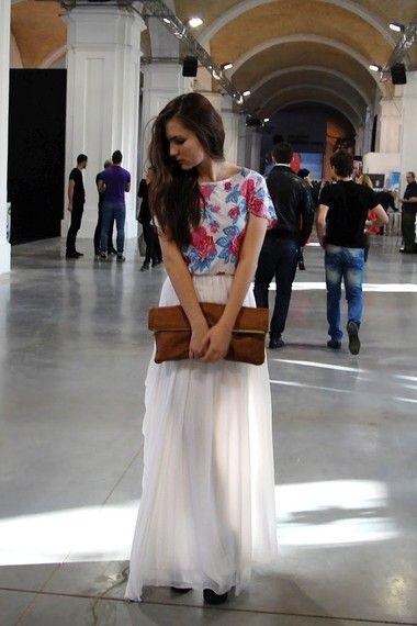 Аня — Клатч American Apparel, Майка Винтаж, Платье BCBGmaxazria