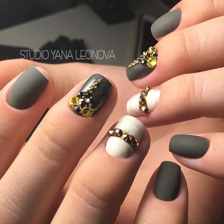Яркие, современные и модные   nailsoftheday.com #маникюрдня #ногти #гельлак #дизайнногтей #идеидляманикюра #мастерманикюра #nailмастер #gelpolish #nails #маникюр #вечернийманикюр #мрамор #инкрустация