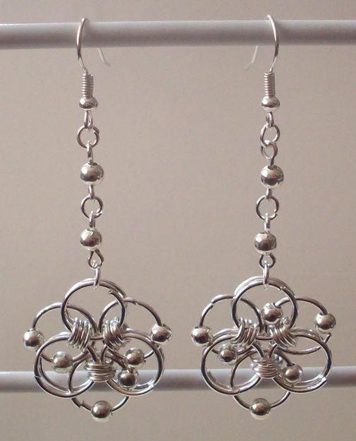 chainmaille Earrings with beads