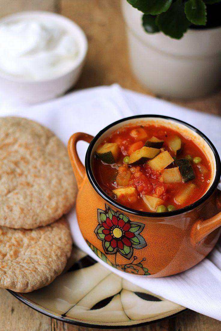 Rozgrzewająca zupa z soczewicą i warzywami