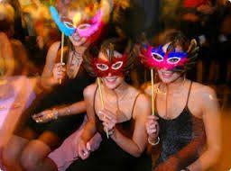 Αποτέλεσμα εικόνας για μπάτσελορ πάρτυ σε καφετεριες