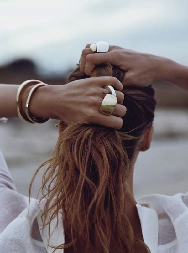 (via @Mingpag184 )Fashion, Gold Jewellery, Hair Colors, Style, Chunky Jewelry, Gold Rings, Accessories, Beach Hair, Gold Jewelry