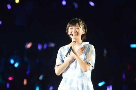 乃木坂46、デビュー2周年記念ライブでソロ曲「水玉模様」を歌い涙する生駒里奈 (C)ORICON NewS inc.