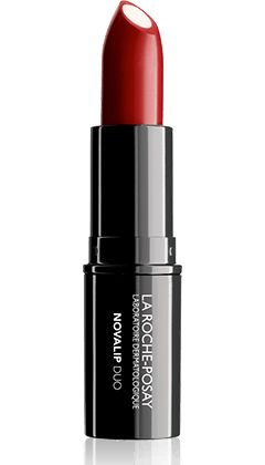The 1st lipstick which allies a record rate of skincare and a vibrating color, for a perfect lips surface, which fixes and reflects color all day-long.