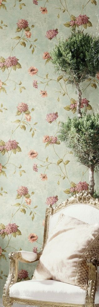 Another floral wallpaper here.. just love how fresh and modern a remake of a classic theme can be.