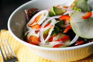 Green Apple, Red Onion, Avocado and Red Pepper Salad