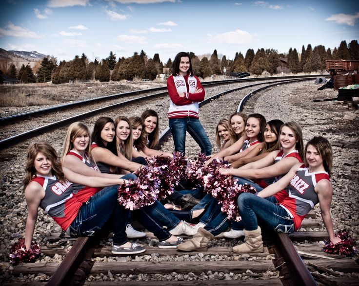 Cheer group shot with coach cheer ideas pinterest for Team picture ideas