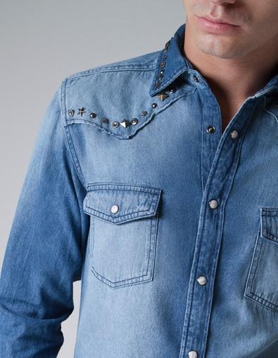 CAMISA DENIM TACHUELAS - Moda - Camisas - Hombre - ZARA