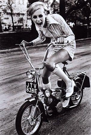 Twiggy..... Loving it: 60Th Birthday, Bike Riding, Animal Welfare, Style Icons, Fashion Magazines, Ronald Traeger, Photo, Vintage Bike, Vintage Style