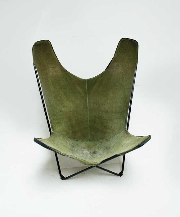 :: Hardoy Butterfly Chair In Green Suede, 1938 ::