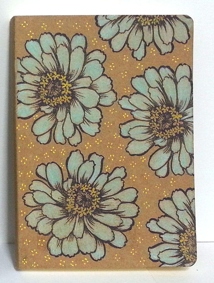 Notebook with zinnias. Cuaderno estampado y pintado a mano