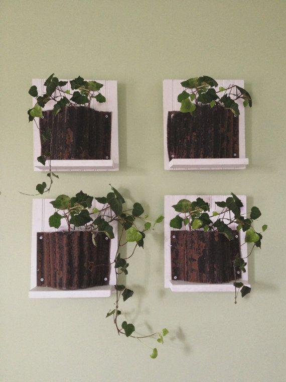 Gespot door www.kixx-safety.nl #tuin #tuinhandschoenen #gloves #garden White Rustic Metal Wall Planter  Quad by OneinNature on Etsy, $39.99