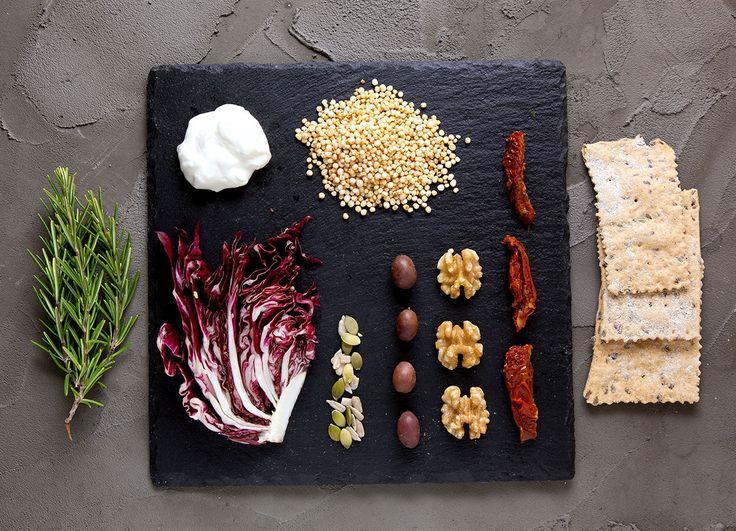 V3RAW sviluppa il concetto di cibo vivo, con l'intento di armonizzare nutrizione, funzionalità organiche e gestione delle energie.
