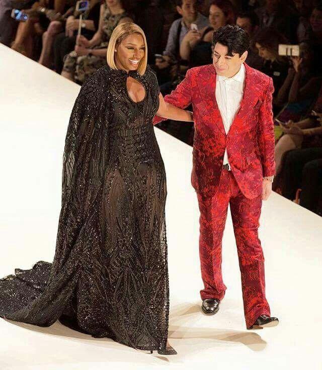 New York Fashion Week                                                       …
