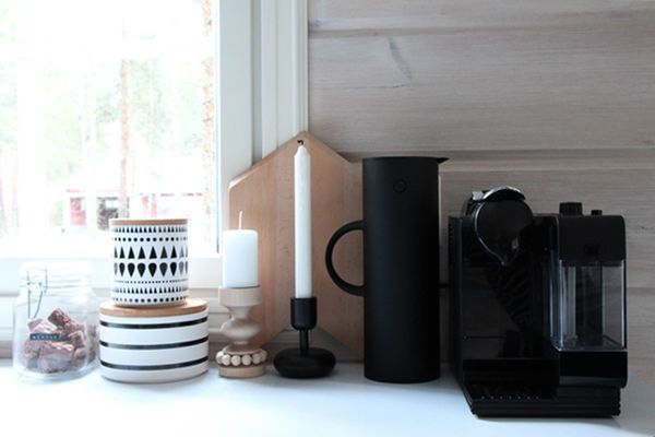 Kodin1, Elämäni koti, Vierasblogi Kaikki mitä olen, Mustia kodinkoneita valkoiseen keittiöön #elamanikoti