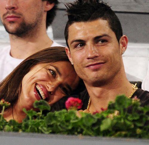 Cristiano Ronaldo e Irina Shayk #celebrities #soccer #football #couples #people