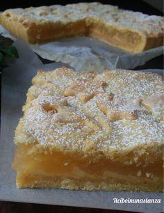 La crostata di crema al limone e mele non ha stagione, può essere realizzata in qualsiasi periodo dell'anno, può essere regalata per qualsiasi occasione e