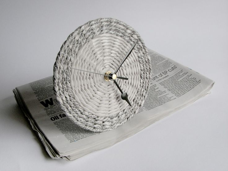 newspaper table clock | BLURECO