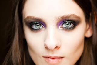 0229-roberto-cavalli-fall-2012-eye-makeup_bd.jpg