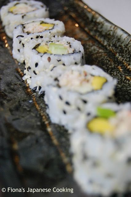 Fiona's Japanese Cooking: Uramaki - inside out sushi roll recipe