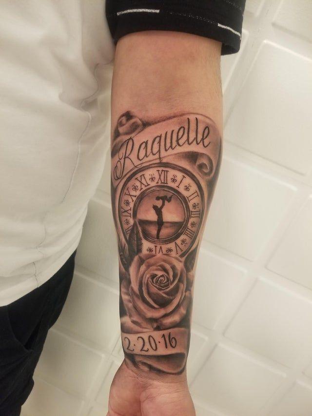 Rippen mann tattoo schriftzug Tattoo Sprüche