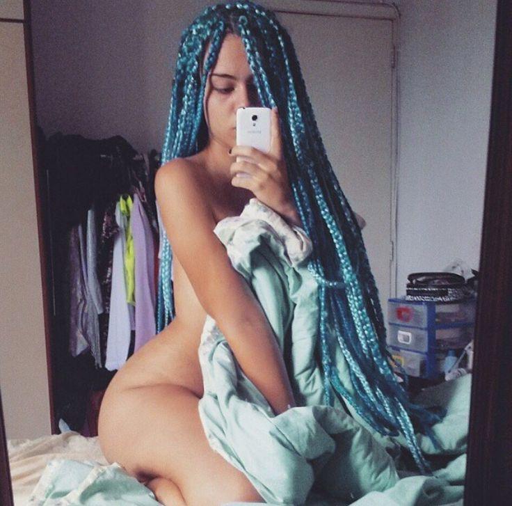 Gorgeous blue box braids !                                                                                                                                                                                 More