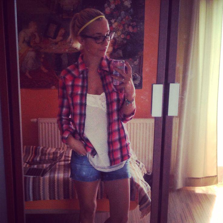 Casual outfit  #wrangler shirt #hilfiger shorts  #hugoboss glasses