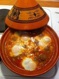 750 grammes vous propose cette recette de cuisine : Tajine de kefta aux œufs…