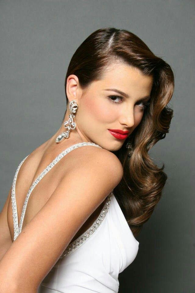 Stefanía Fernández Krupij - อดีต Miss Universe Preload แหล่ง: https://s-media-cache-ak0.pinimg.com Preload แหล่ง: https://d1t3kap9cbipi6.cloudfront.net ■Norelys rodriguez - นักแสดง นางแบบ Preload แหล่ง: http://fotos2013.cloud.noticias24.com 1. บราซิล ประเทศนี้นอกจากมีชื่อเสียงด้านวงการลูกหนังแล้วนั้น ด้านความงามของสาวๆ ก็เช่นกันอันดับ 1 ยกให้ผู้หญิงบราซิล โดยมีการบรรยายความงามของสุดยอดผู้หญิงที่สวยที่สุดในโลกของบราซิลว่า นางแบบ นักฟิตเนสส่วนมากในวงการก็มาจากประเทศนี้…