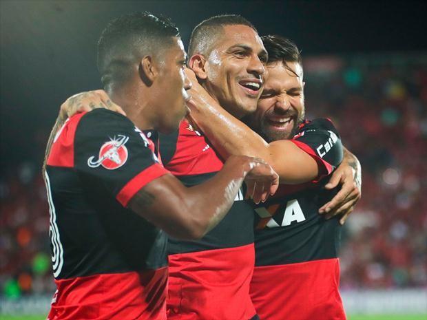Irmão de Guerrero afirma que atacante pode trocar o Flamengo pelo futebol europeu