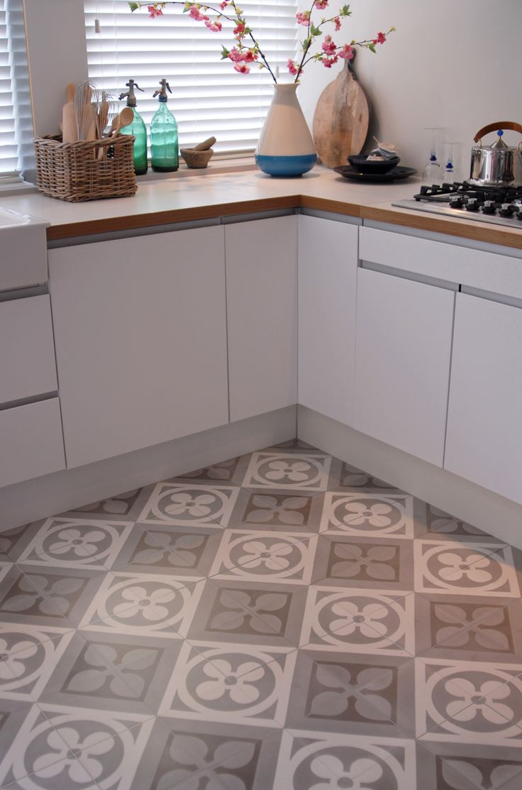 Castelo Tiles ® - www.castelo.com - handmade tiles Kitchen floor tiles - grey and cream - 2555