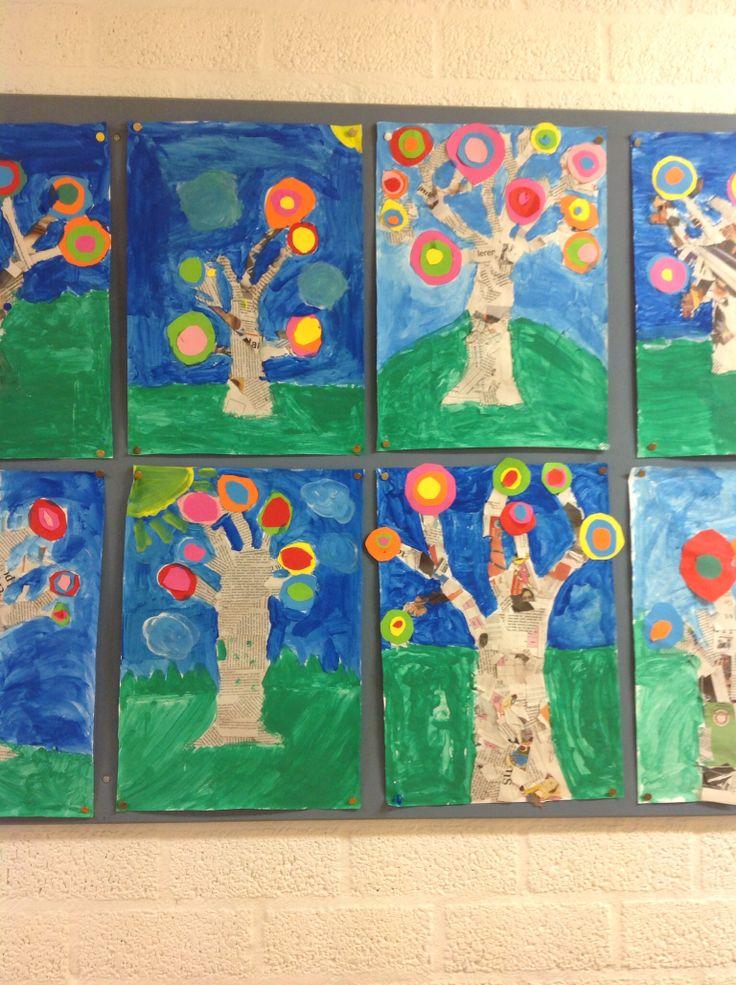 Hundertwasser bomen, mixed media.Krantenpapier,gekleurd karton en waterverf. Gemaakt door groep 6
