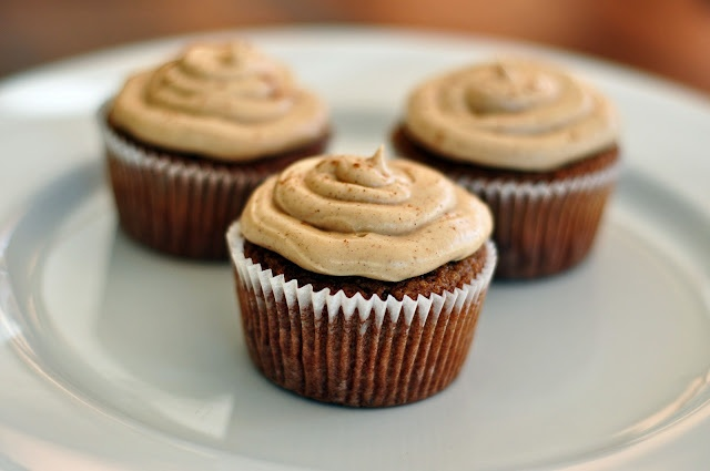 Applesauce Spice Cupcakes w/ Brown Sugar Cream Cheese Frosting