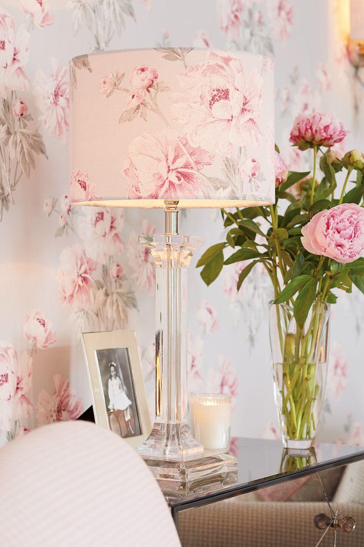 les 25 meilleures id es de la cat gorie laura ashley sur pinterest papier peint pour chambre. Black Bedroom Furniture Sets. Home Design Ideas