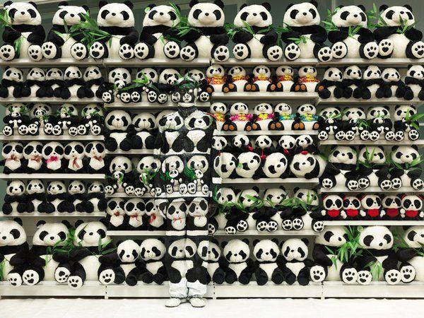 Top 32 des plus beaux camouflages de l'homme invisible chinois, Liu Bolin