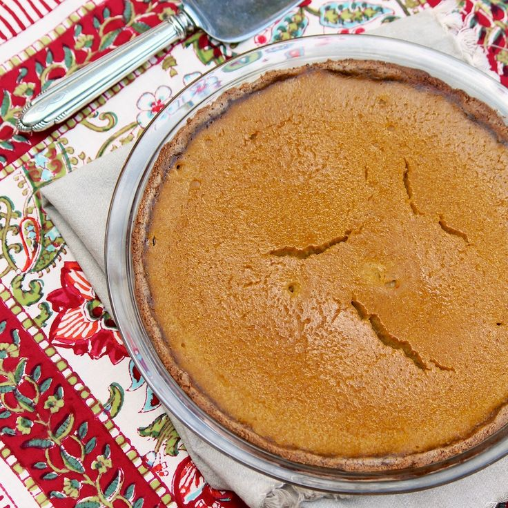 Healthy Maple Pumpkin Pie -- a delicious and easy recipe that's naturally sweetened and dairy-free