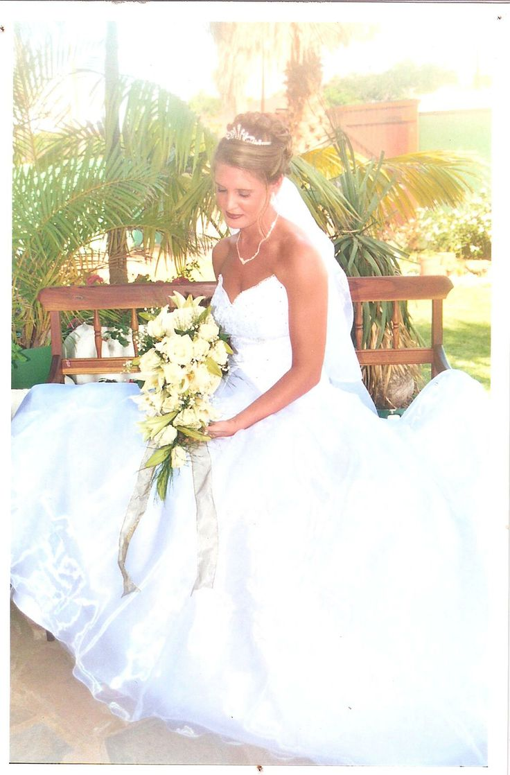 2 Pcs. Sabrina Ball gown Wedding gown with train
