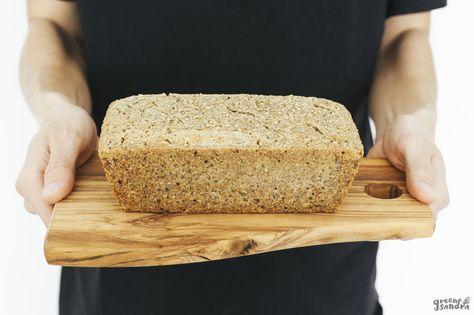 Un pan sin gluten fermentado de manera natural y elaborado con tan sólo 4 ingredientes: trigo sarraceno, semillas de girasol, agua y sal.