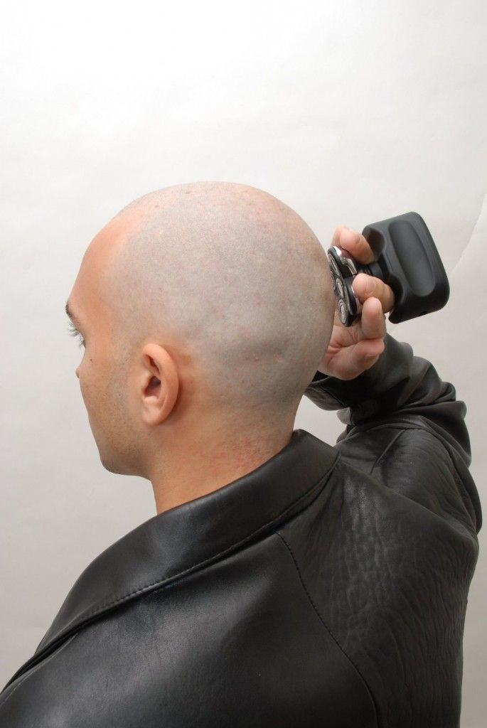 Shaving head is easy with skull shaver http://topelectricshavers.net/the-awesome-skull-shaver-is-the-best-head-shaver/