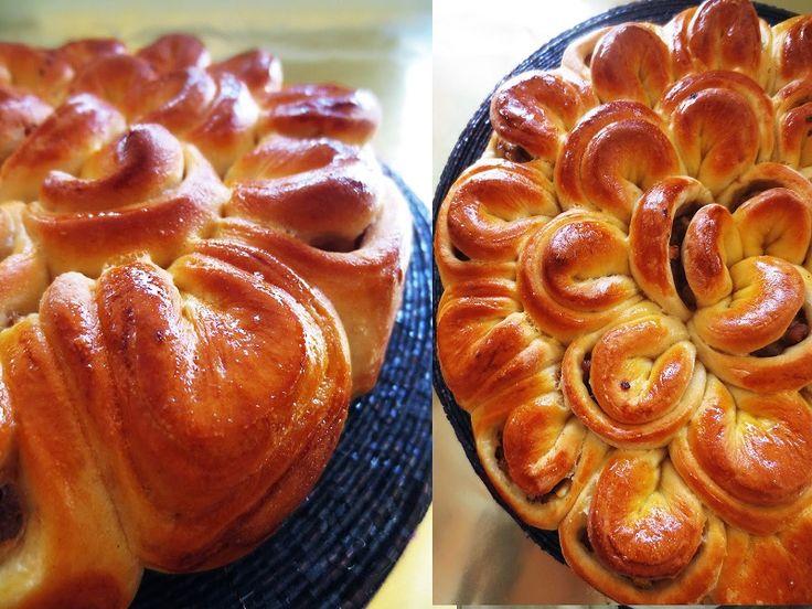 Мясной пирог «Хризантема» может украсить любой праздничный стол и отлично подойдет для скромного семейного обеда. Красивое и вкусное угощение. А готовится проще простого!   Ингредиенты для пирога  50…