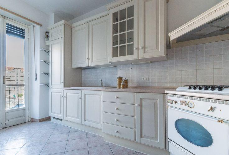 Home staging in collaborazione con  Marrese arredamenti - Appartamento vuoto a Torino - Zona Crocetta - 110mq - Cucina - (03/2016)