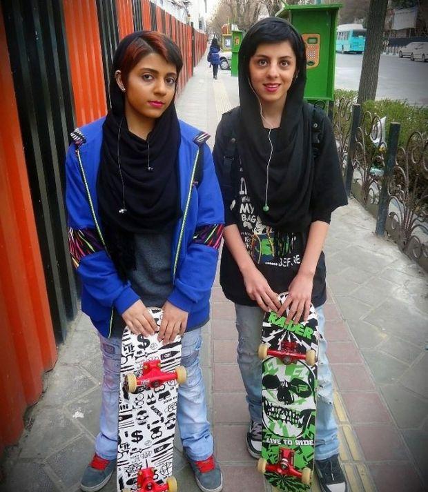 Des skateuses à Téhéran